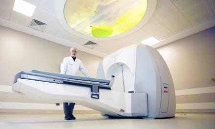 """Beyin Tümörlerinin Işın Tedavisinde """"gamma knife"""" Cihazı"""